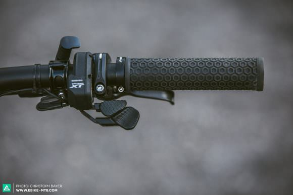 Not-so-ergo Chaos reigns on the bars, and it's tricky to find a good spot for the RockShox Reverb dropper post's remote lever given the presence of the Shimano shifters and brakes.
