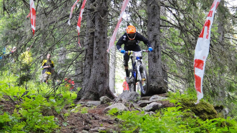 Niklas Wallner storming through the rocky section, fourth place today.