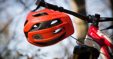 bf2f08f59 Review  The Scott Stego trail- and enduro-helmet