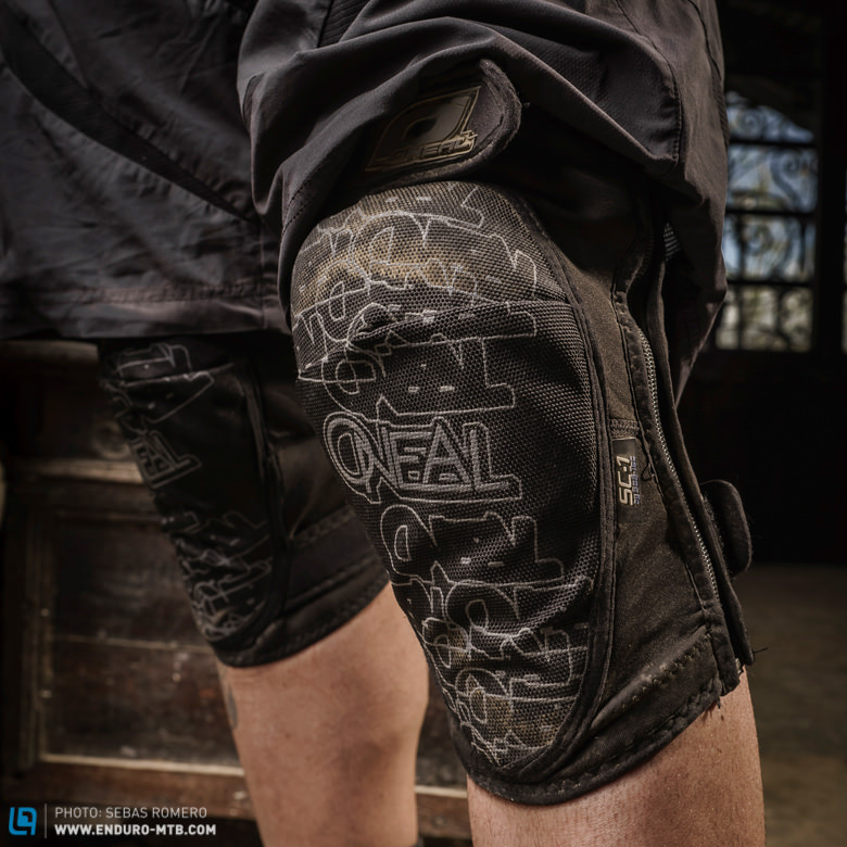 design-innovation-award-2014-parts-oneal-amx-zipper-knee-pad