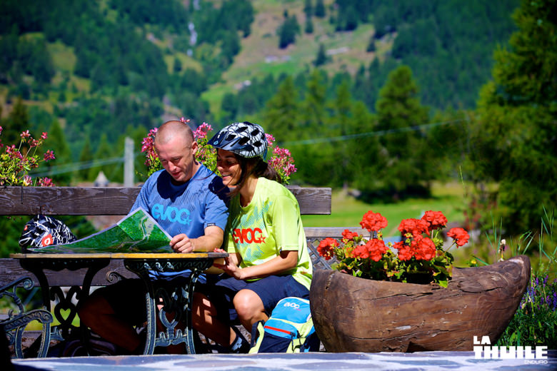 Manuel Ducci and Valentina Macheda looking for trails