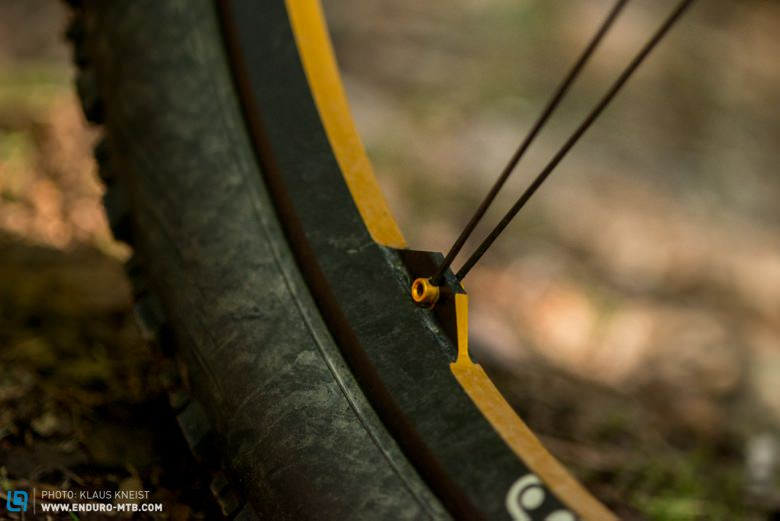 The connection from the spokes to the rims: optically clean and technically clever.