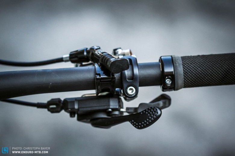 Difficult to reach. The combination of Shimano brake and shift levers with the RockShox Reverb wasn't entirely convincing. The remote lever is hard to reach when speed is of the essence.