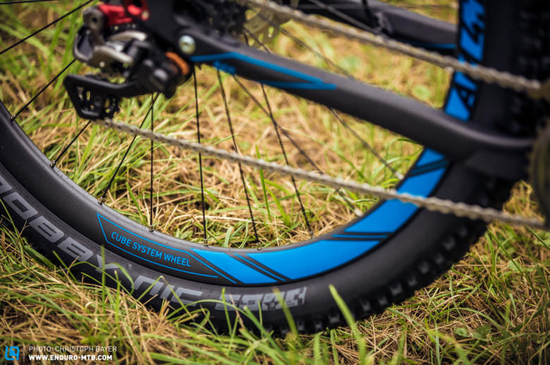 The top of the range model was also running Cubes new CSW AM 4.7 carbon rims, with 28 spokes and a 23mm inner width, Cube has kept the weight down to 1630g.  Cube have laced the rims to the popular DT Swiss 240 hubs.