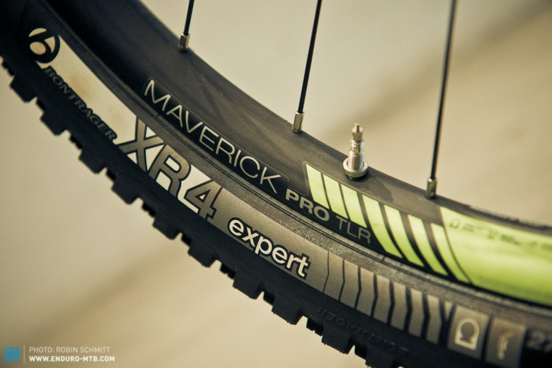 Bontrager Maverick Pro Tubeless Ready Laufräder mit Stacked Lacing-Einspeichung.