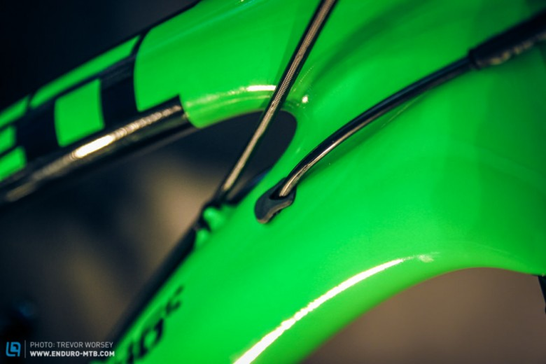 The SB6c frame is made out of High Modulus carbon fibre.
