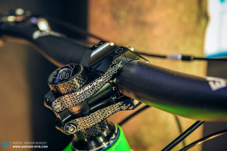 With a 65.5 degree head angle and 35mm oversized bars and stem, the SB6c's purpose is clear, enduro domination.