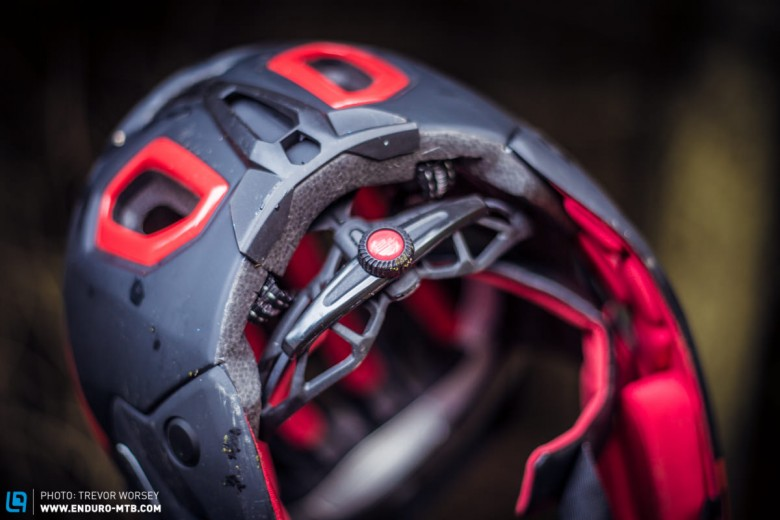 The fit is adjusted via a dial, allowing fine tuning of the helmet fit
