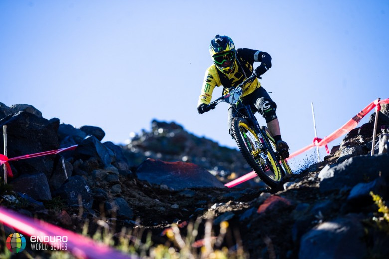 The reigning world champ suffered a pedal strike that sent him over the bars and out of the series.