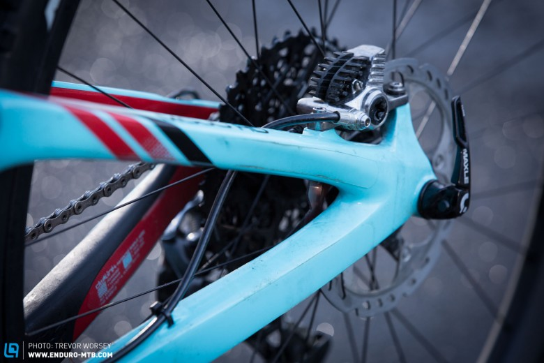 The Team Issue bikes will run XT brakes, with 160-180mm rotors on the rear and 180-200mm on the front depending on the stages