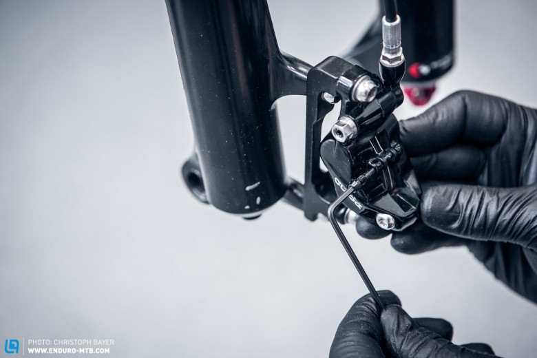How to bleed a SRAM Guide Brake | ENDURO Mountainbike Magazine