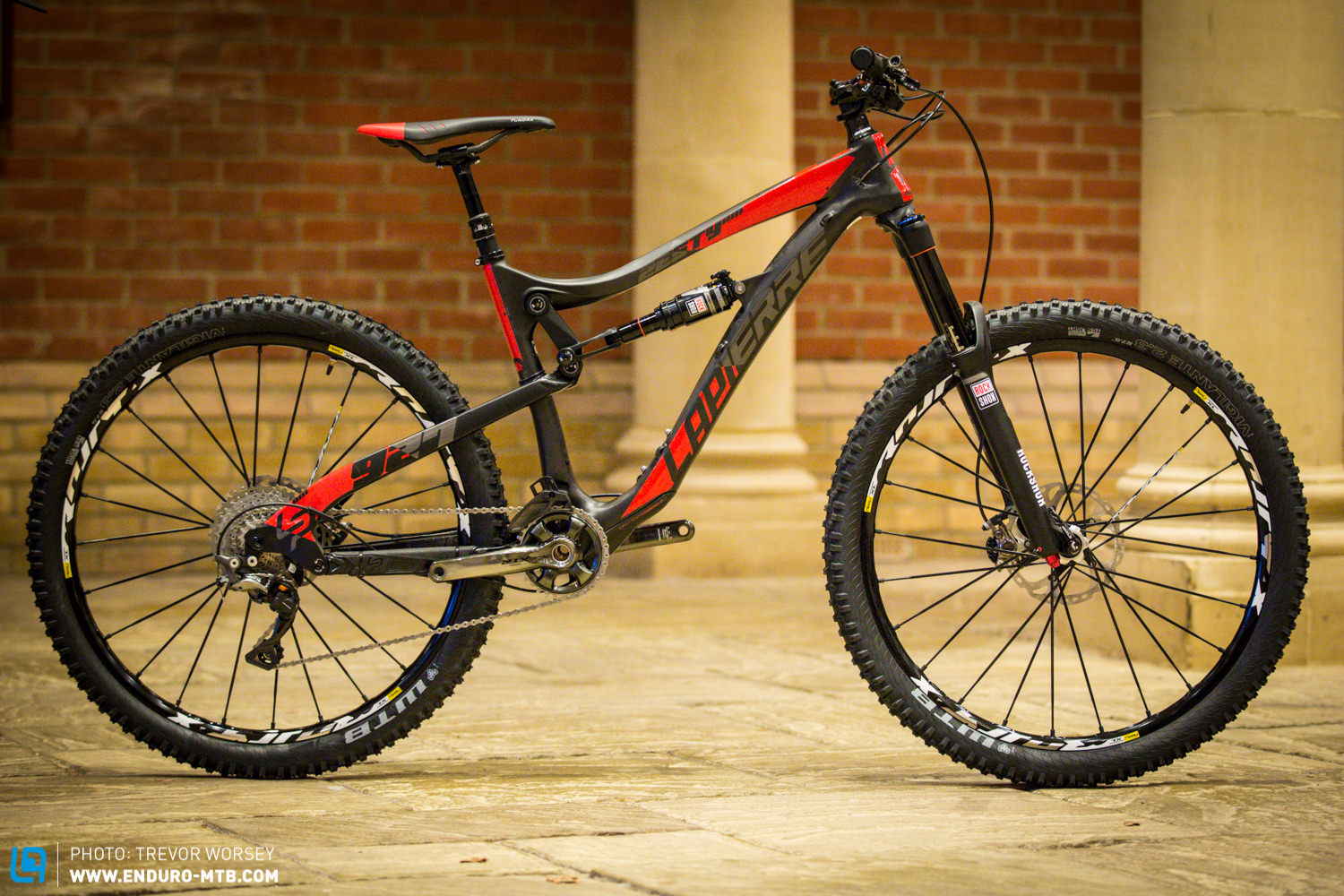 First Look | Lapierre Zesty AM 927 Ultimate UK Bike | ENDURO Mountainbike  Magazine