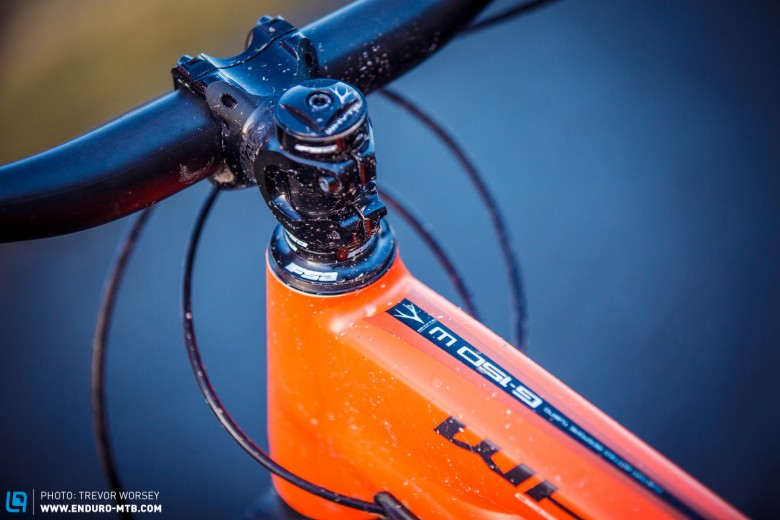We were pleased to see an Easton Haven 50mm stem and Haven 750mm bars, all in the new 35mm standard