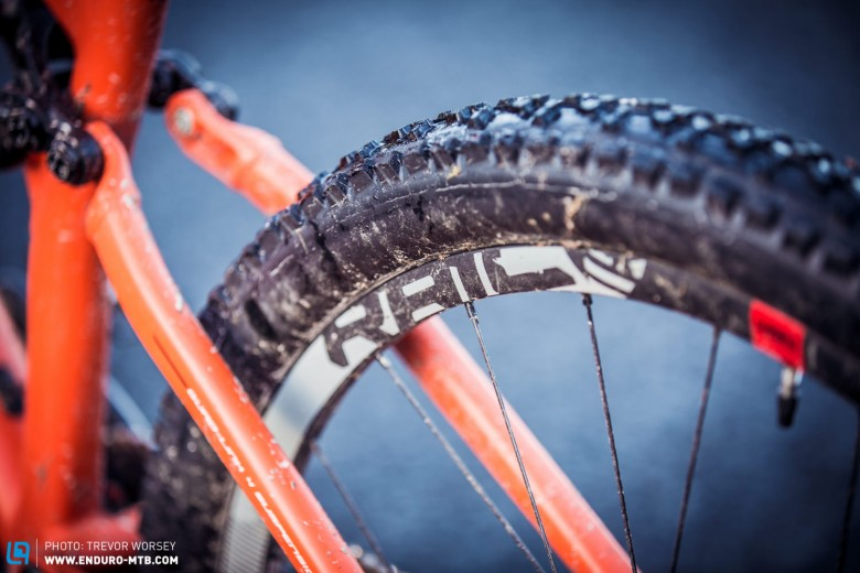 The G-150 comes with a SRAM Roam 50 wheelset, one of the lightest alloy wheelsets on the market at around 1530g