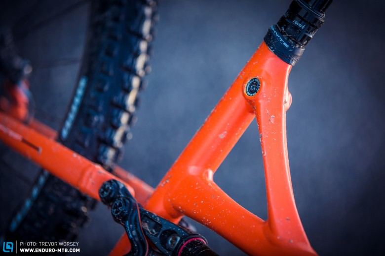 We liked the clean design of the integrated seatpost clamp