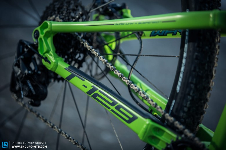 The symmetrical chain-stays look stiff, and at only 431 mm should make for agile direction changes