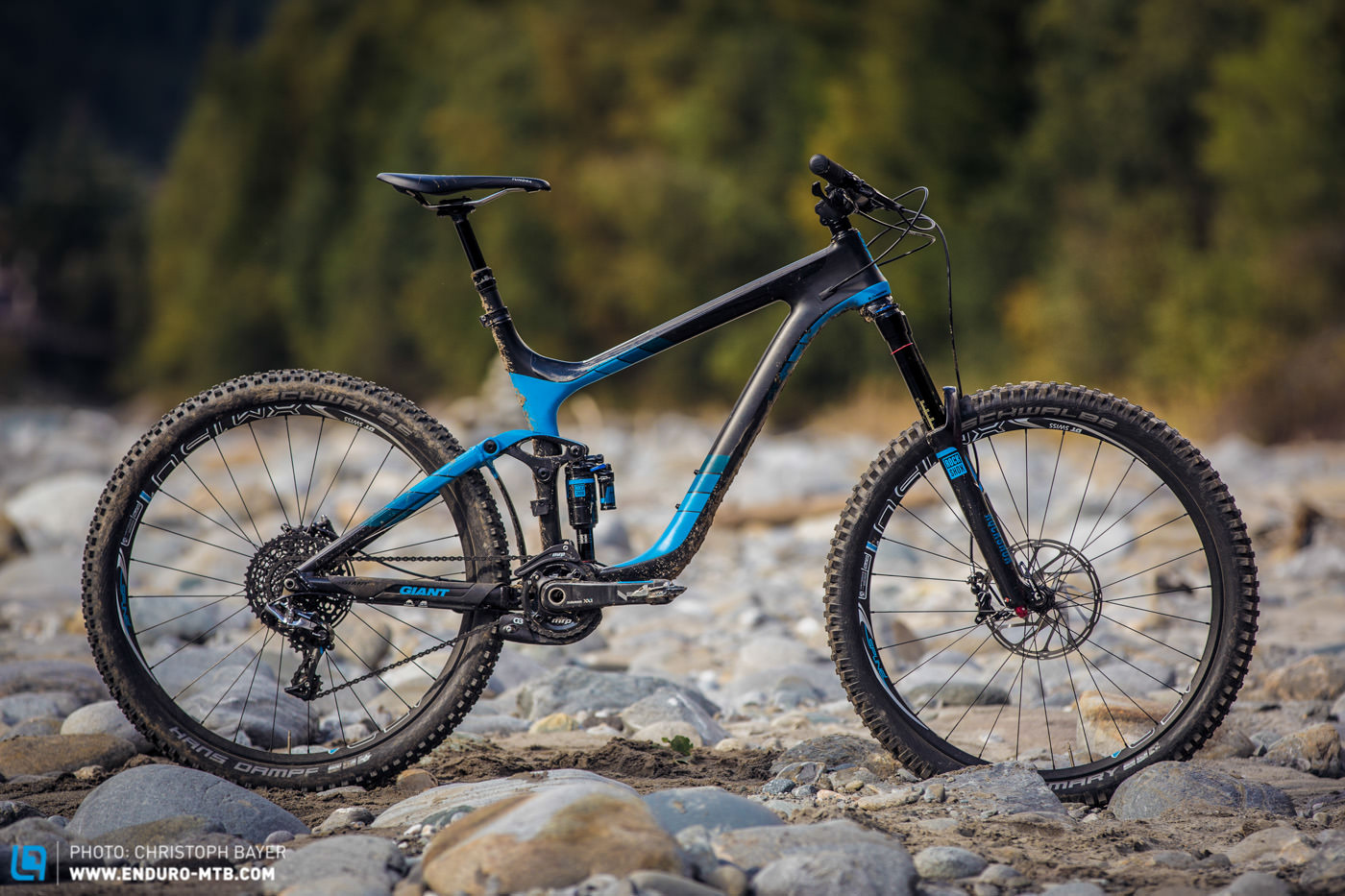 Back Issue | Giant Reign Advanced 0 Team Review | ENDURO ...