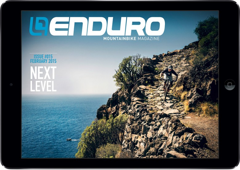 issue015-cover-in-ipad-en