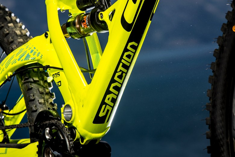 I-Drive is designed to isolate pedaling forces for surprisingly good uphill performance.