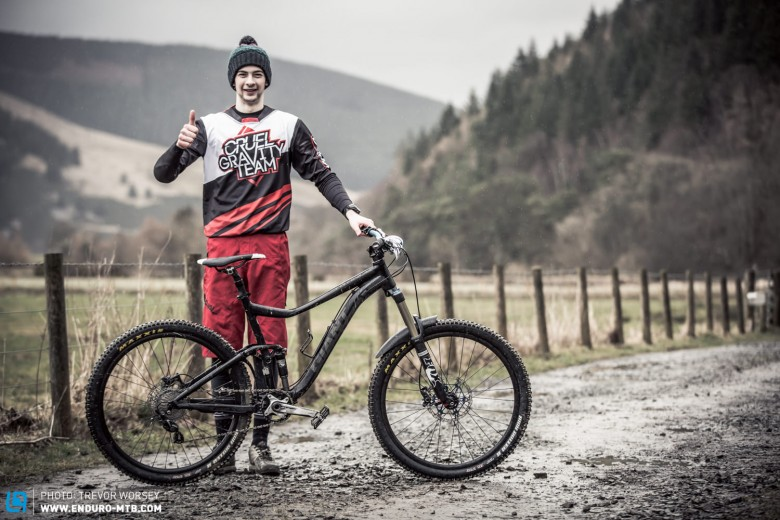 Greg Jolliffe was also riding for the Cruel Gravity Team on his Giant Trance