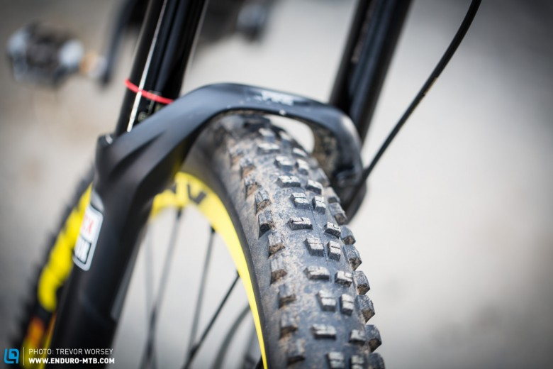 The Mavic Crossmax Charge 27.5 x 2.4 front tyre offers good grip and predictable handling