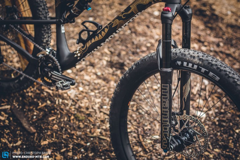 Brand spanking new and crammed with exciting technical details – the Manitou Magnum forks with 120mm travel.