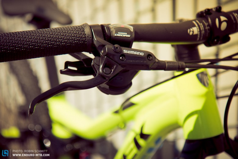 Hydraulic Shimano-brakes stop the bike, not the fun riding it.