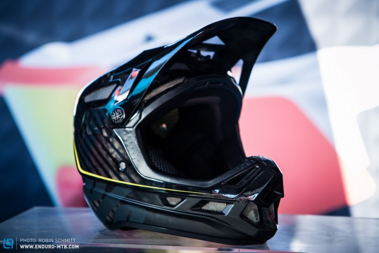 The Aircraft Helmet will be available Fall 2015.