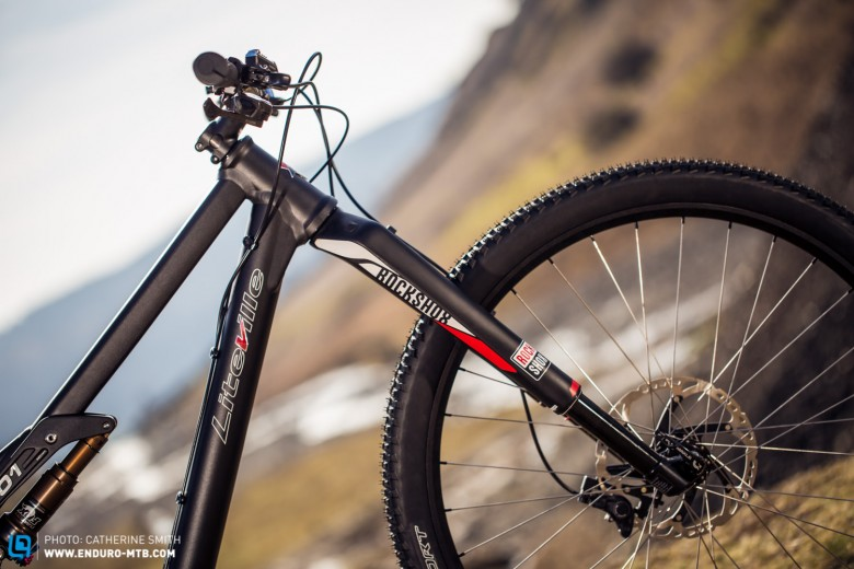 The Rockshox RS1 brings the Marathon build in at an amazing weight