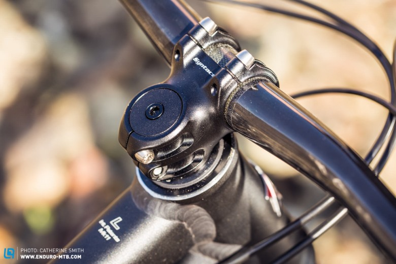 The short compact stem on the Enduro Edition keeps the bike lively