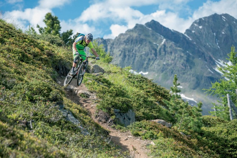 In the second stop of the EES pros and amateurs will again compete and Robert Williams, overall winner of the EES 2014, signed for the whole series, will also race in Sölden.