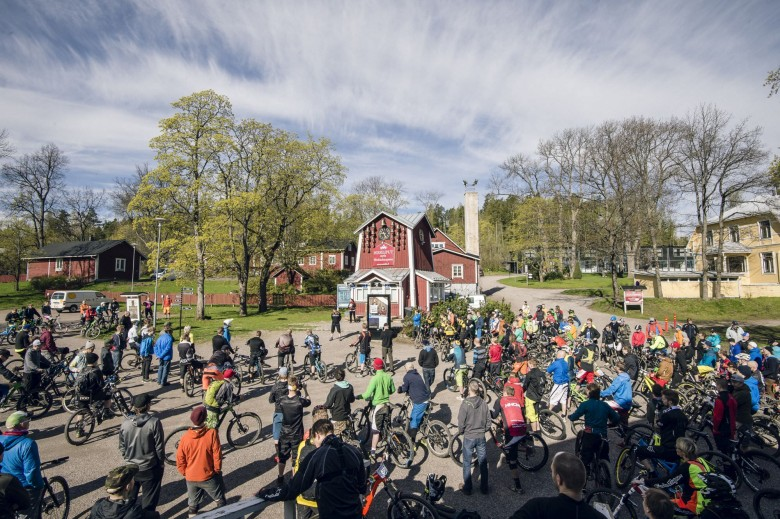 """Competition took place at the Messilä skiing hill with 9 stages and the challenge for the riders was the ""no lift"" access. Everyone was really concentrating on the hydration and proper refueling during the day when they had to pedal to all the stages."""