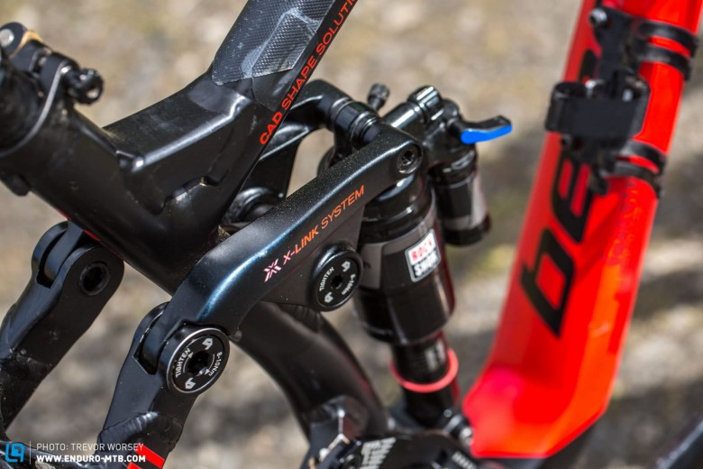 The X-Link suspension delivers 140mm of travel to the aggressive geometry