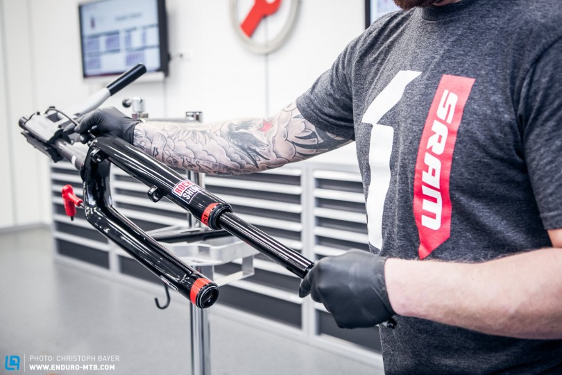 How to service the Lower Leg fork of the RockShox RS-1
