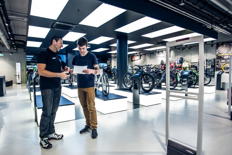 Now it's just a case of waiting. In approximately four weeks the bike will be delivered – just in time for the race season. Meanwhile there's still ample opportunity for Daniel to get back into the gym and work on his fitness. He is, after all, pretty driven.