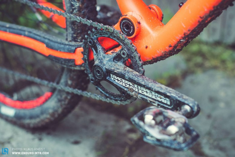 Simple, intuitive and effective: we're fans of the stock 1x10 drivetrain on the META Trail, which comes with Race Face Ride cranks and a 34-tooth Narrow Wide chainring…