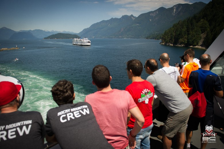 600 Riders, from 24 countries enjoy a beautiful sailing on BC Ferries. From the mainland to Vancouver Island .