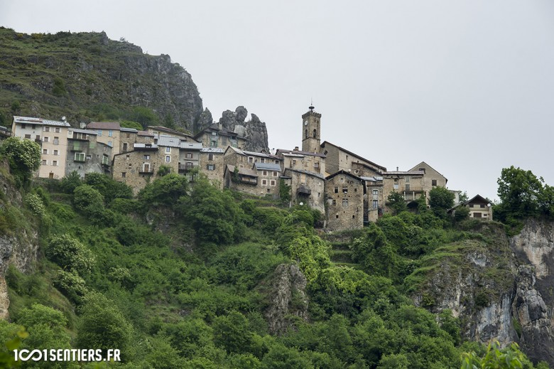 The South of France hosts some truly impressive castles. I guess it's something to take your mind off the climb.