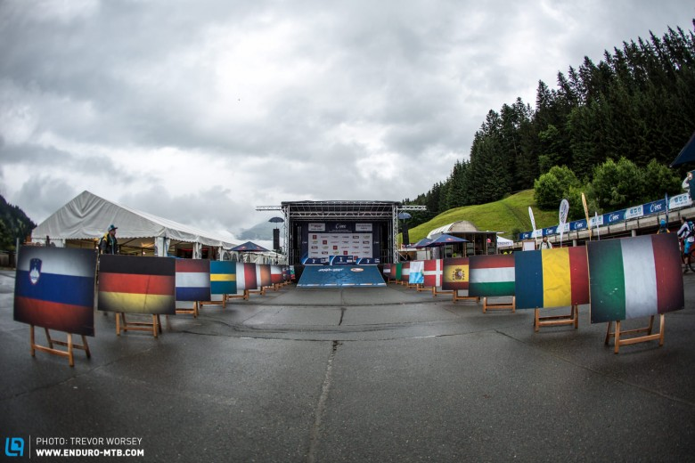 198 riders from over 18 nations would challenge for the title