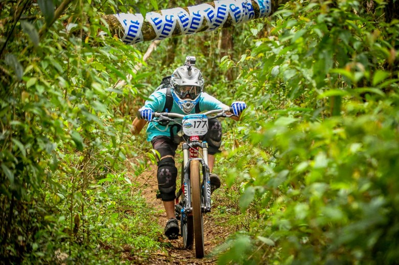 The Enduro racing scene in brasil is growing. Racers are giving it their all ...