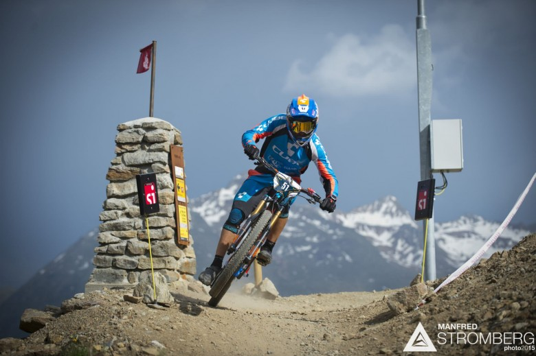 Nico Lau rails round the first corner to the prologue win of the 2nd EES in Sölden
