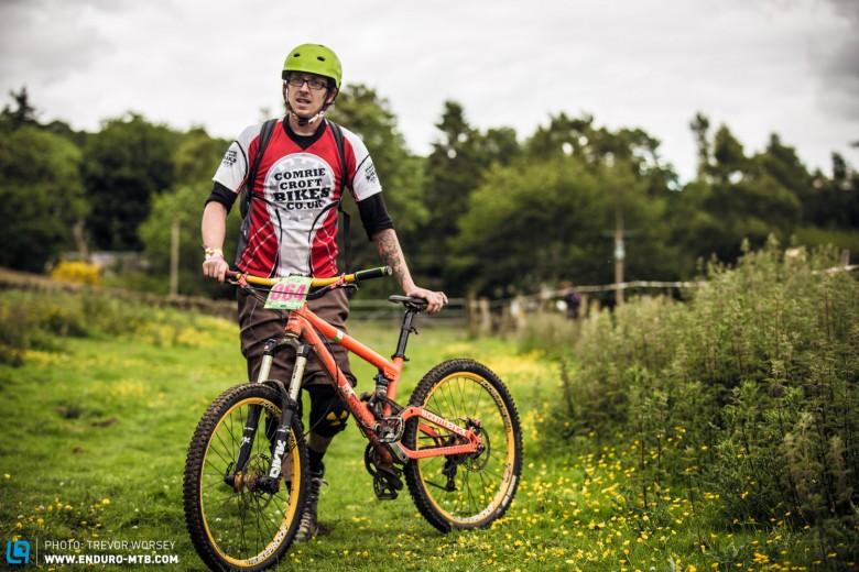 Comrie local Chris Wood was racing his Commencal Meta