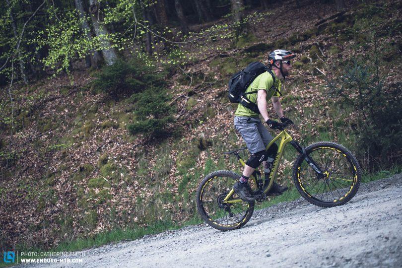Rückenschmerzen Beim Mountainbiken Verhindern Enduro Mountainbike Magazine