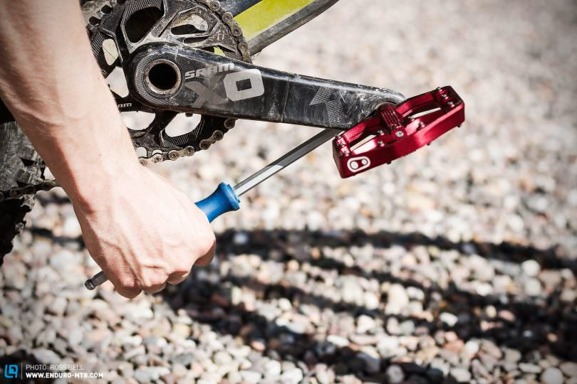 How To Remove And Install Pedals Enduro Mountainbike Magazine