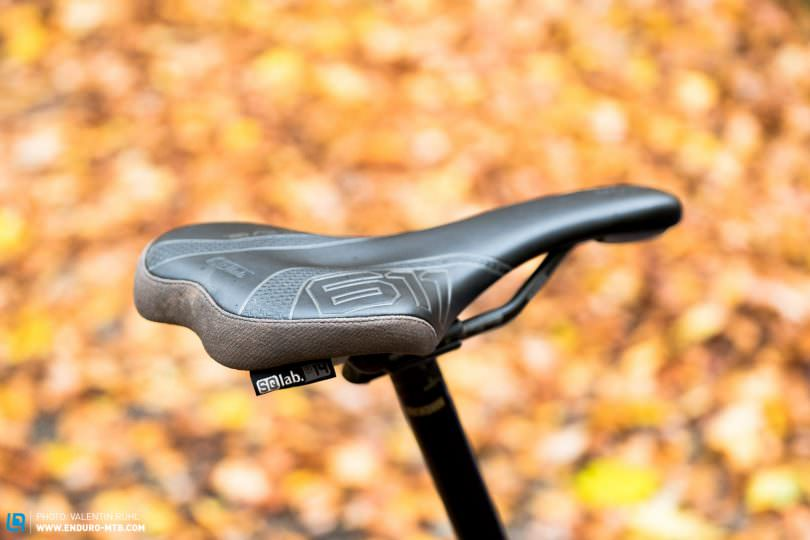 SQlab 611 Ergowave MTB Active Carbon Bicycle Saddle