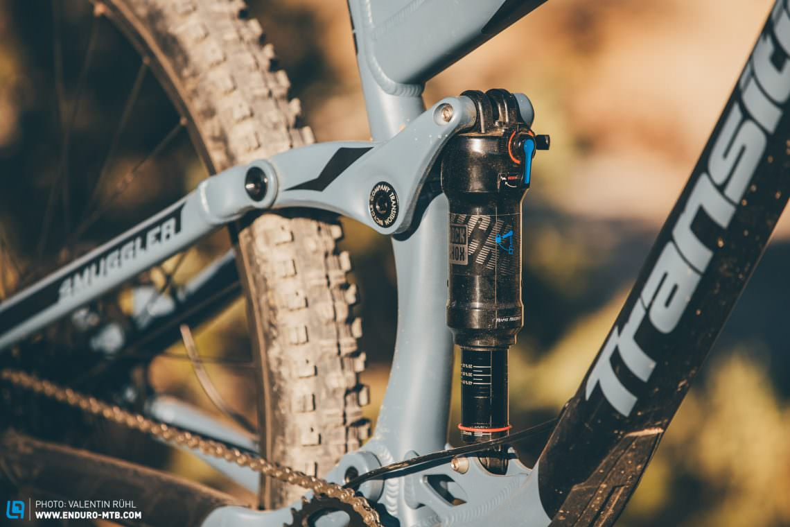 The suspension on the Transition Smuggler NX Alloy is taken care of by a RockShox Revelation RC suspension fork with 140 mm of travel