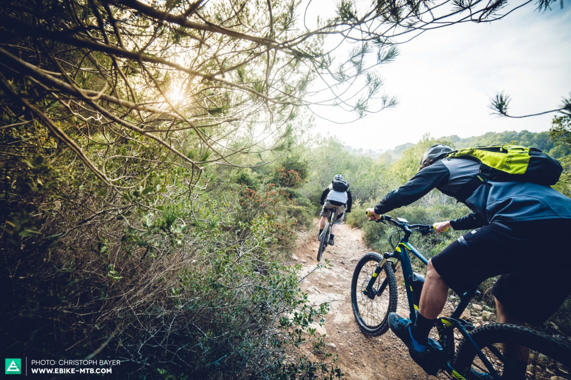 E-Mountainbike-Group-Test-Review-CB-web-2