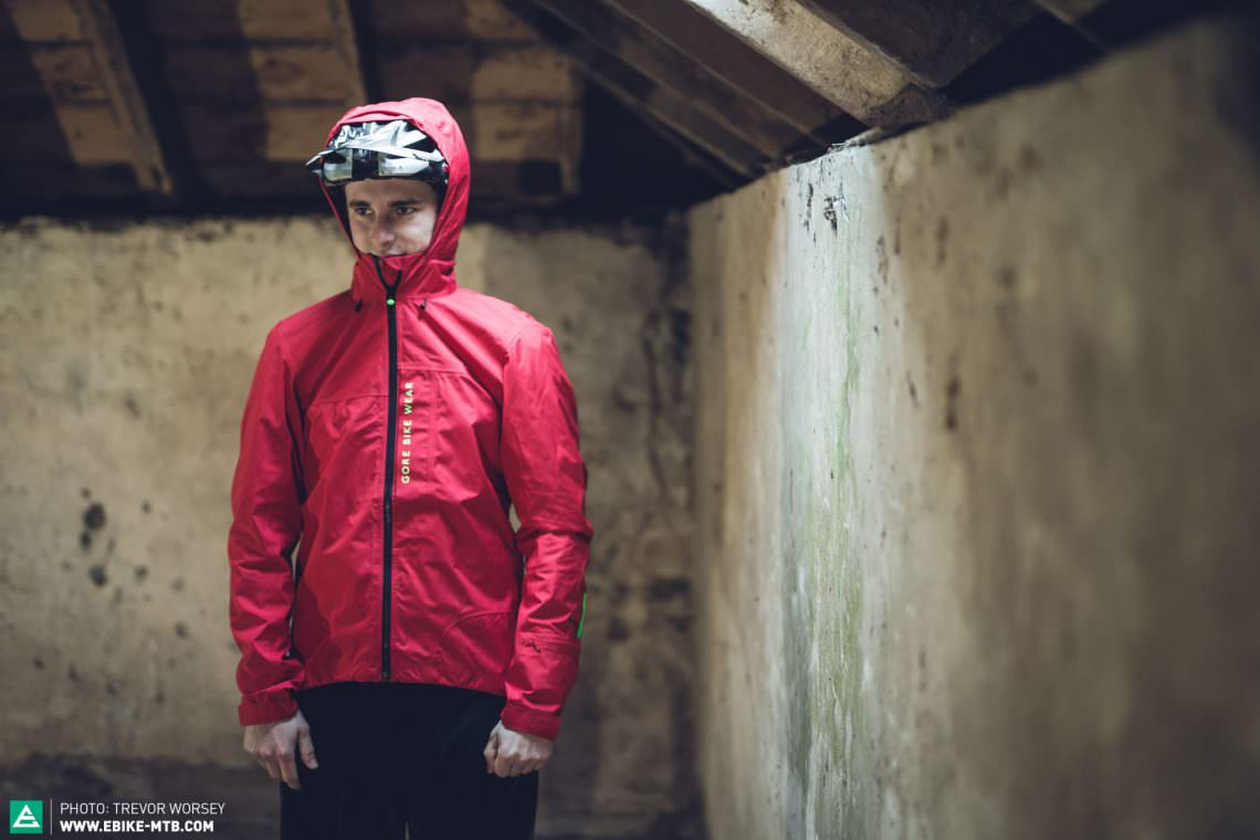 Ninja black is cool but bright colours will get you seen on the hill! Stand out from the crowd.