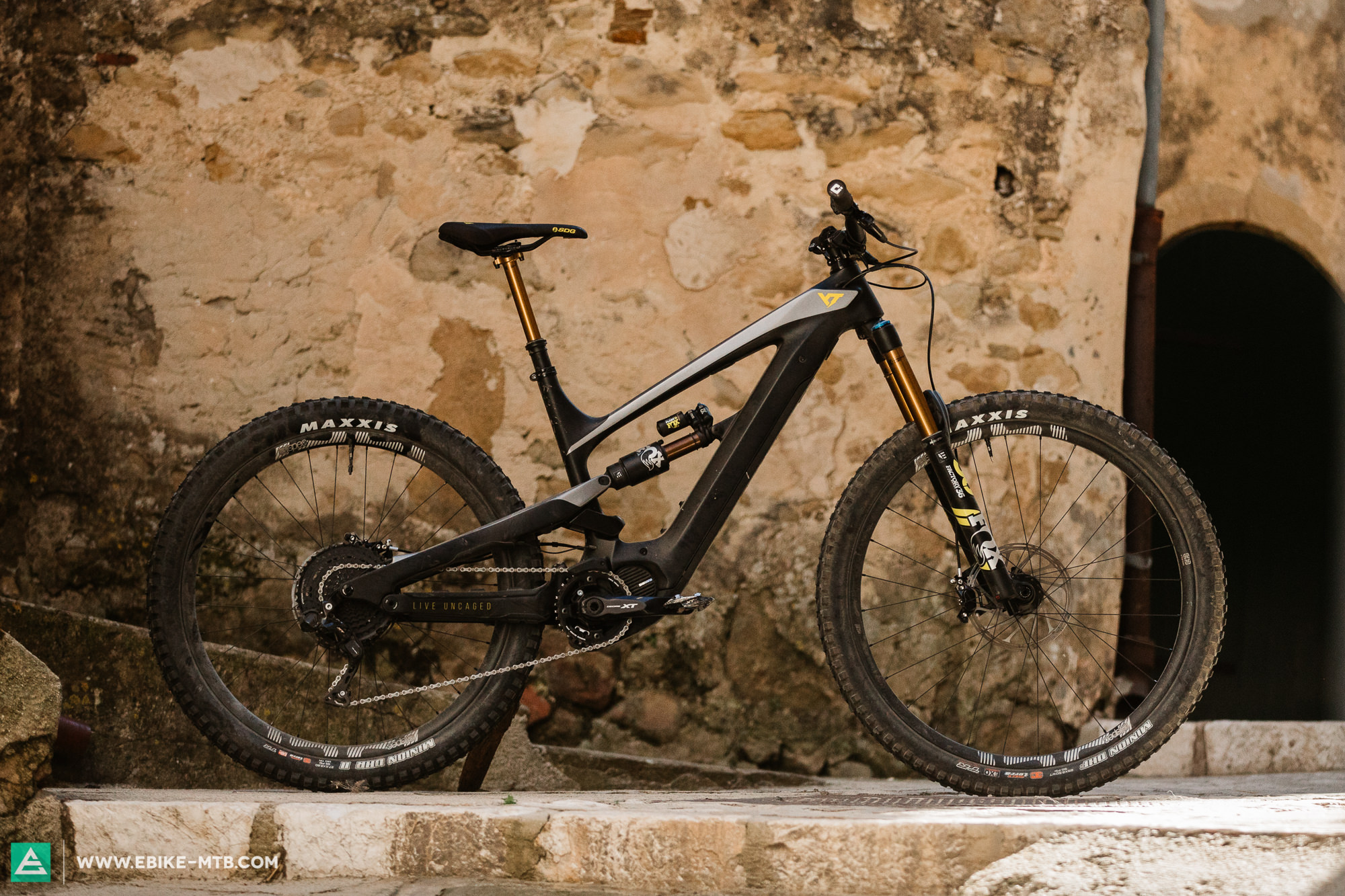 First Ride Review: YT DECOY – the new Specialized Levo Killer? | E