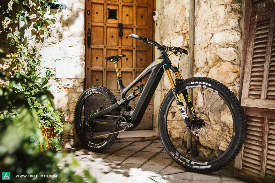 First Ride Review: YT DECOY – the new Specialized Levo